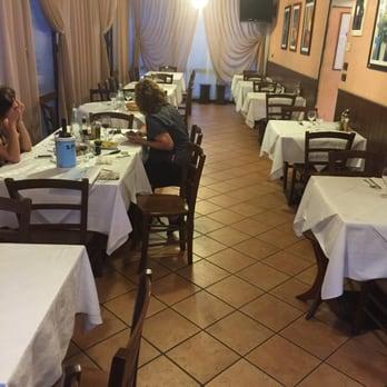 Mencoba Makanan Laut Restoran di Venesia Lido